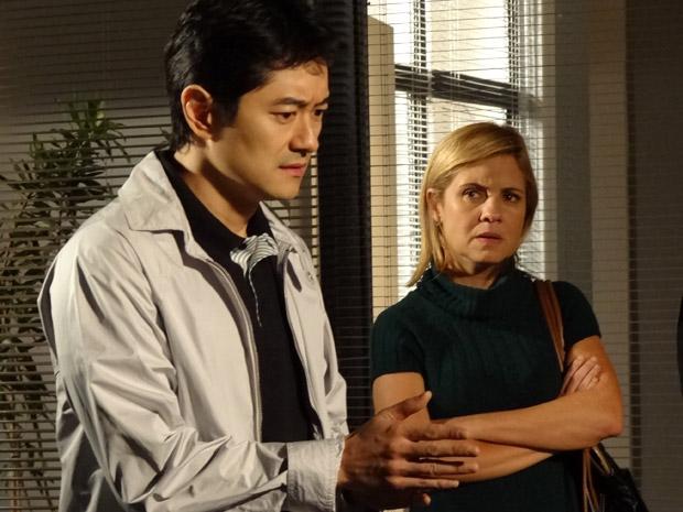 Akira depõe novamente e confessa que ouviu Naomi brigando com Pimentel (Foto: Morde&Assopra/TVGlobo)