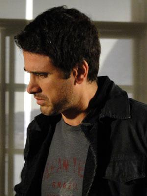 Pedro quer reunir provas contra Léo (Foto: Insensato Coração / Tv Globo)