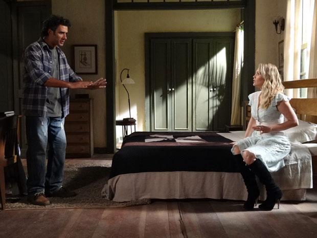 Abner fica preocupado com a possibilidade de encontrarem Naomi (Foto: Morde & Assopra/TV Globo)