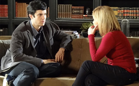 Ícaro e Júlia justificam beijo: Estamos precisando de apoio (mordeeassopra/tvglobo)