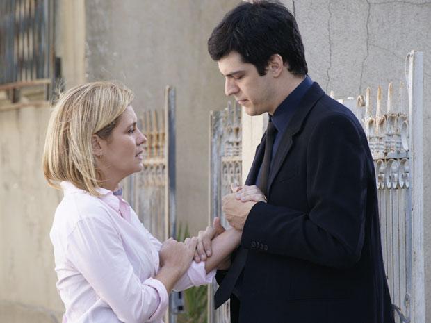 Ícaro deseja que Júlia entenda que a vida é feita de mudanças (Foto: Morde & Assopra/TV Globo)