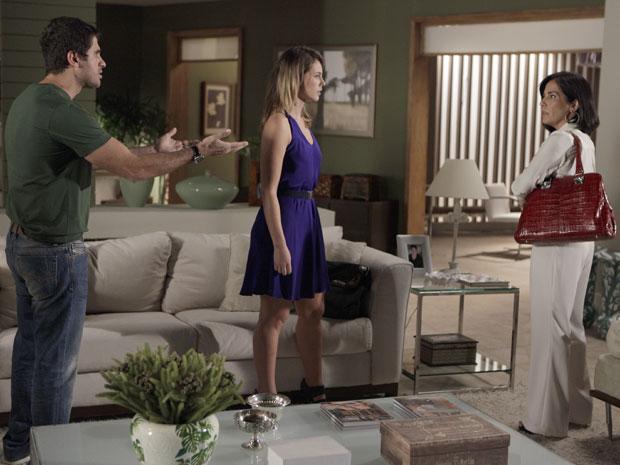 Pedro e Marina contam tudo sobre a morte de Carmem para Norma (Foto: Insensato Coração / Tv Globo)