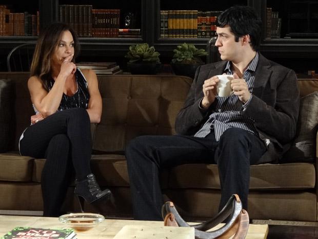 Amanda diz que Júlia não é mulher para Ícaro (Foto: Morde&Assopra/TVGlobo)