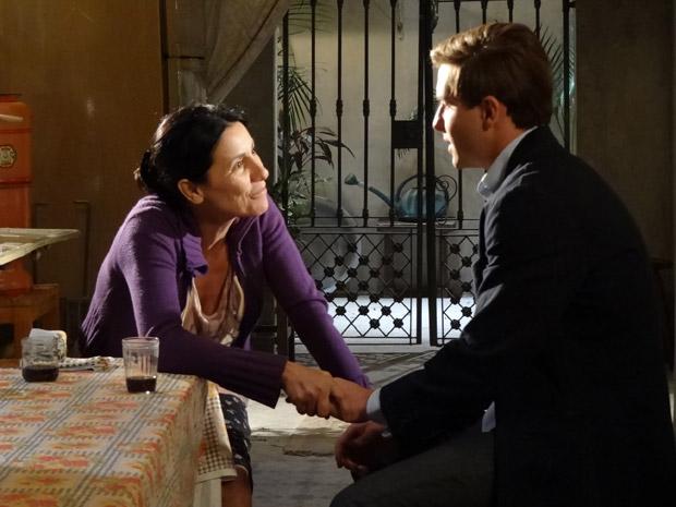 Dulce confessa que voltou a se orgulhar de Guilherme (Foto: Morde&Assopra/TVGlobo)