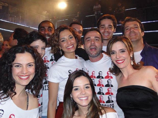 Elenco se despede de Insensato Coração (Foto: Insensato Coração / TV Globo)