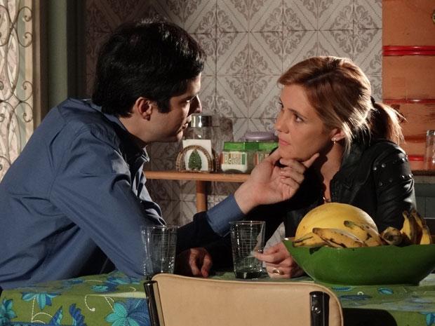 Ícaro acredita que os dois podem ser felizes juntos (Foto: Morde & Assopra/TV Globo)