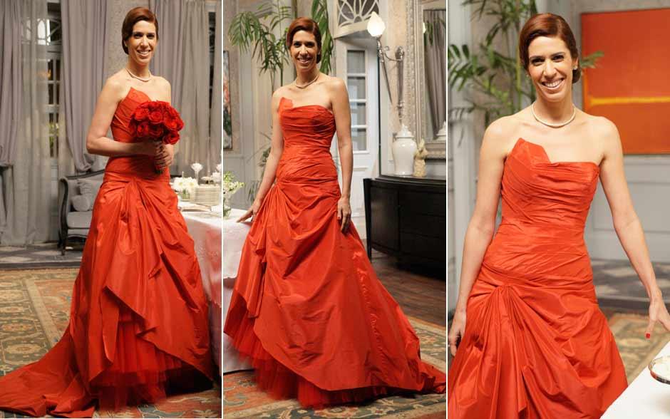 Bibi em três momentos com seu inesquecível vestido de noiva