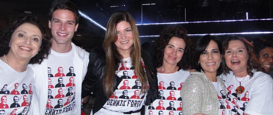 Elenco se reúne em show de Mart'nália para o 'adeus' às gravações (insensatocoração/tvglobo)