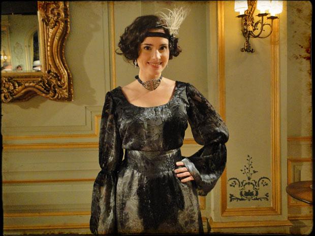 Elisa Pinheiro caracterizada como Abigail Maia (Foto: Cordel Encantado/Tv Globo)