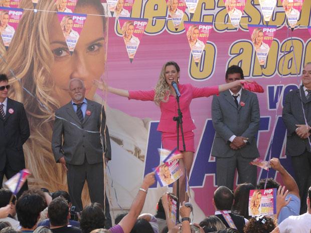 Natalie é eleita (Foto: Insensato Coração / Tv Globo)