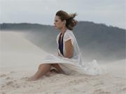 Paola grava nas dunas na praia da Joaquina (insensatocoração/tvglobo)