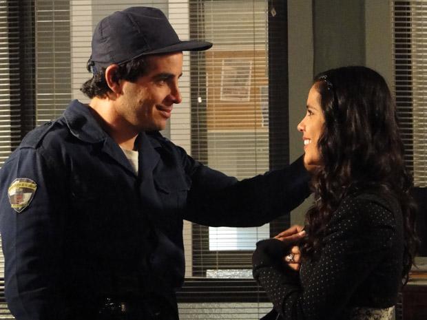 Xavier e Maria João reatam namoro (Foto: Morde&Assopra/TVGlobo)