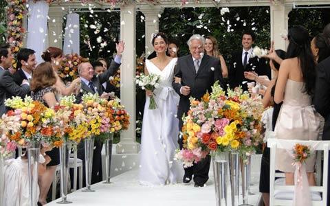 Raul e Carol se casaram em bela cerimônia (Insensato Coração/ TV Globo)