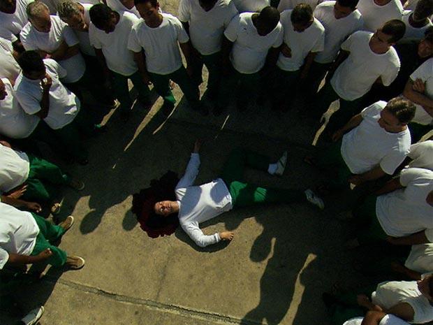 O fim de Léo: morto a mando de Cortez (Foto: Insensato Coração/ TV Globo)