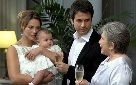 Pedro e Marina têm uma filha (Insensato Coração/ TV Globo)