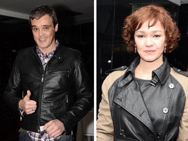 Dalton Vigh e Julia Lemmertz chegam à festa (Foto: Fina Estampa/TV Globo)
