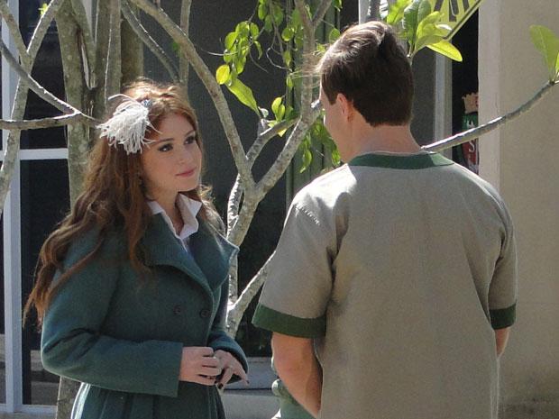 Alice diz a Guilherme que aprendeu muito com a vida (Foto: Morde & Assopra/TV Globo)