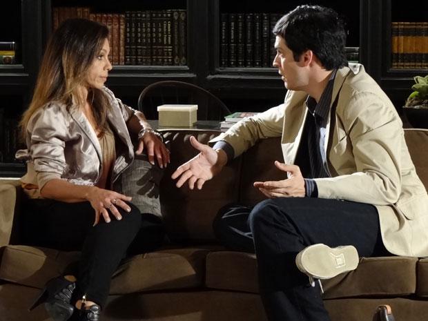 Ícaro fica surpreso com revelação de Amanda (Foto: Morde & Assopra/TV Globo)