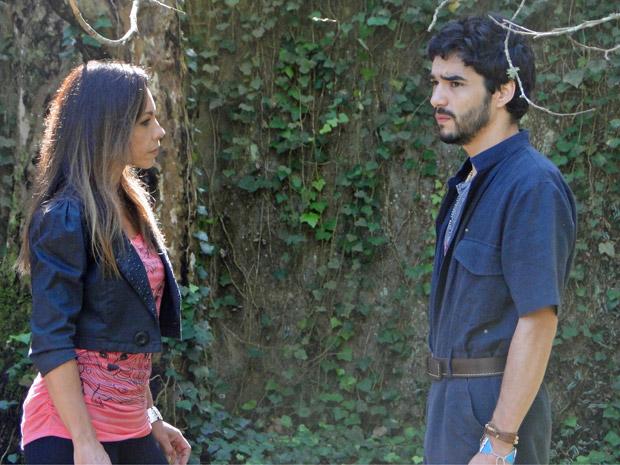Amanda aconselha Leandro a sair de Preciosa (Foto: Morde&Assopra/TVGlobo)