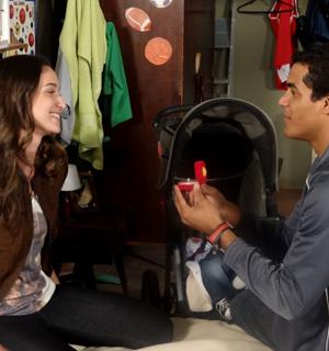 Maicon pede Babi em casamento! (Malhação / TV Globo)