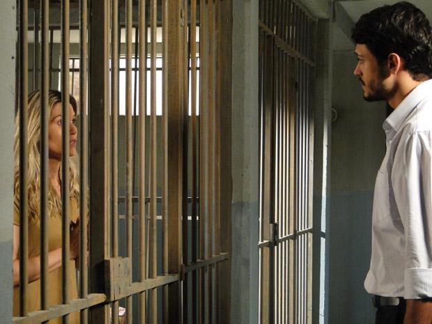 Tadeu diz que acredita na inocência de Naomi (Foto: Morde&Assopra/TVGlobo)