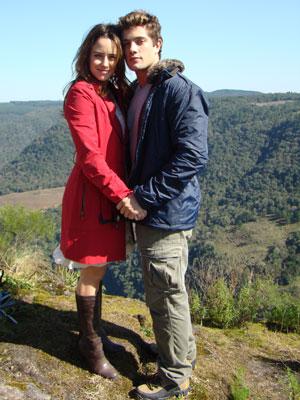 Ana e Rodrigo lutaram a vida inteira contra o amor (Foto: A Vida da Gente / TV Globo)