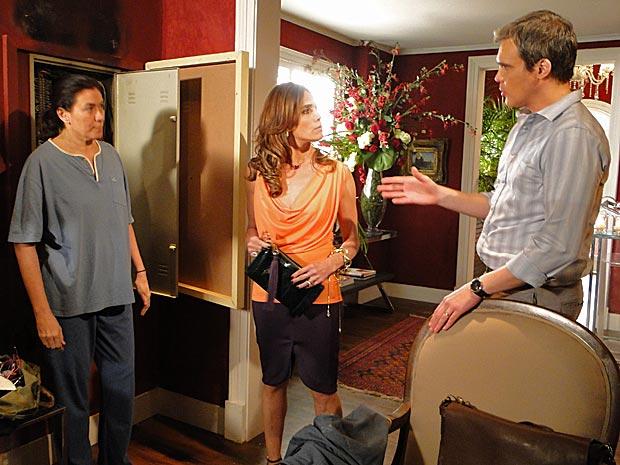 René diz que não ligou para a esposa porque não queria incomodá-la (Foto: Fina Estampa/TV Globo)
