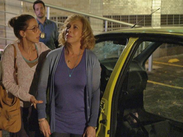 Vilma não consegue acreditar no que aconteceu com o Moden Express (Foto: Fina Estampa/TV Globo)