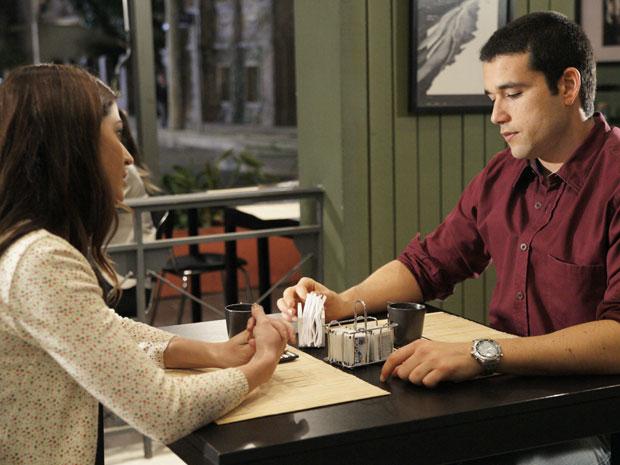 Marcos fica sensibilizado com a atitude da ex-esposa (Foto: Morde & Assopra/TV Globo)