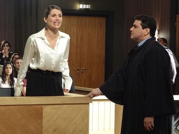 Naomi chora ao se declarar inocente (Foto: Morde & Assopra/TV Globo)