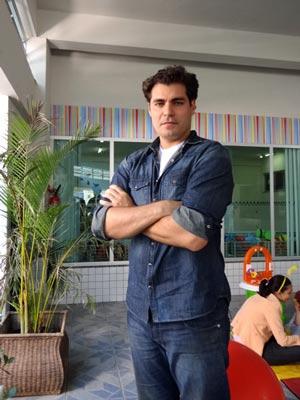 Thiago Lacerda viverá o dedicado Doutor Lucio (Foto: A Vida da Gente / TV Globo)