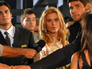 Teodora se assusta ao ver Quinzé  (Foto: Fina Estampa/TV Globo)