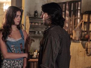 Amália se surpreende ao lembrar que Zilá deixou tudo para ela (Foto: Fina Estampa/TV Globo)