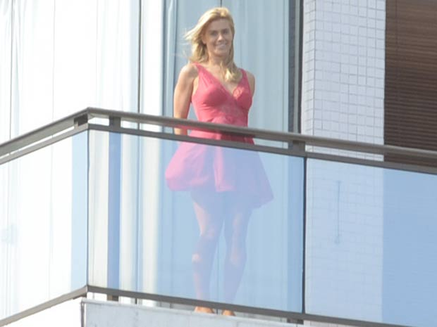 Carolina Dieckmann grava cena de Teodora (Foto: Fina Estampa / TV Globo)