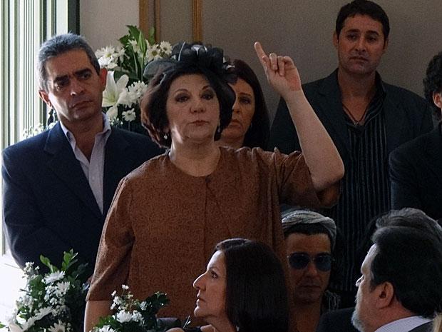Salomé tenta atrapalhar a cerimônia (Foto: Morde & Assopra / TV Globo)
