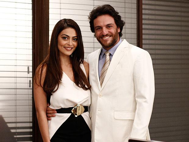 Juliana Paes e Rodrigo Lombardi retomam parceria de sucesso (Foto: OAstro/TVGlobo)