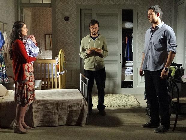 Marcos não deixa Natália se explicar (Foto: Morde & Assopra/TV Globo)
