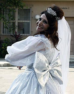 Laço é o detalhe principal do vestido (Foto: Morde & Assopra / TV Globo)