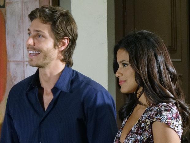 O casal antes da humilhação (Foto: Morde & Assopra / TV Globo)