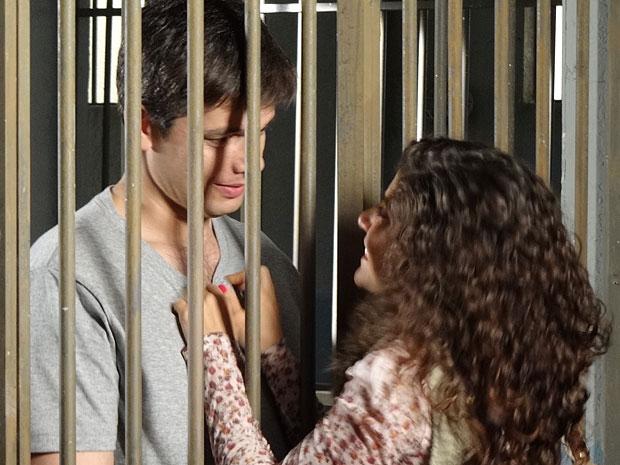 Élcio aceita se casar com Raquel (Foto: Morde & Assopra/TV Globo)