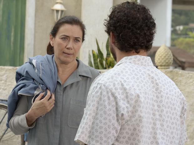 Griselda diz para Guaracy não voltar ao restaurante (Foto: Fina Estampa/ TV Globo)