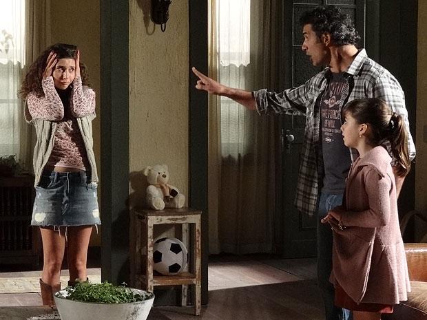 Abner fica furioso com a gravidez de Raquel (Foto: Morde & Assopra/TV Globo)