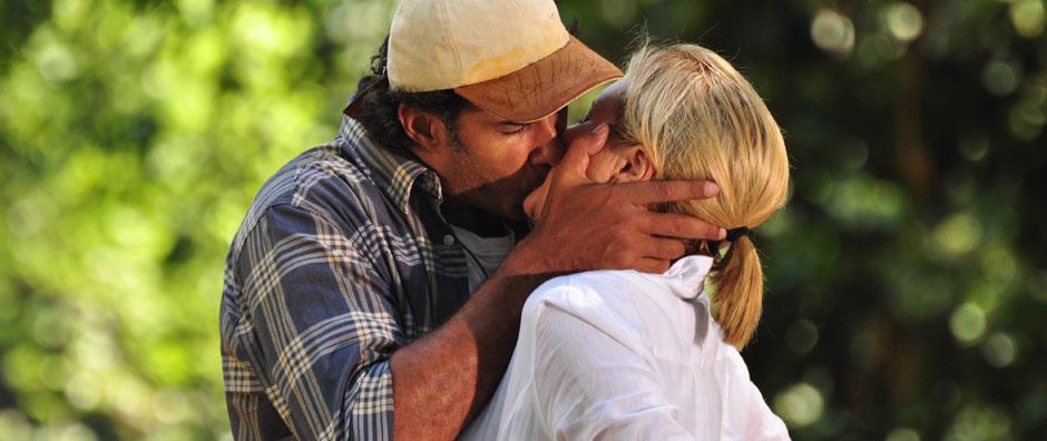 Relembre os beijos entre os casais de Morde & Assopra (Morde & Assopra / TV Globo)