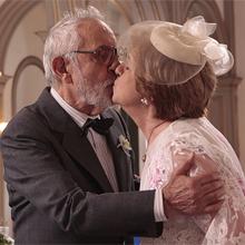 Plínio e Hortência oficializaram amor  em cerimônia discreta (Morde & Assopra / TV Globo)