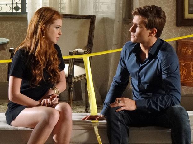 Alice faz Guilherme entender o que se passa pela cabeça de Dulce (Foto: Morde & Assopra/TV Globo)