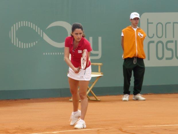 Fernanda Vasconcellos chegou a treinar duas horas por dia (Foto: A Vida da Gente / TV Globo)