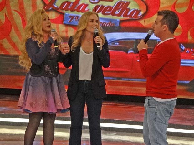 Vilma aparece ao lado de Angélica e agrada Luciano Huck (Foto: Fina Estampa/TV Globo)