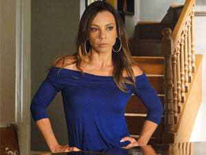 Amanda não aceita perder Rafael a troco de nada (Foto: Morde & Assopra / TV Globo)