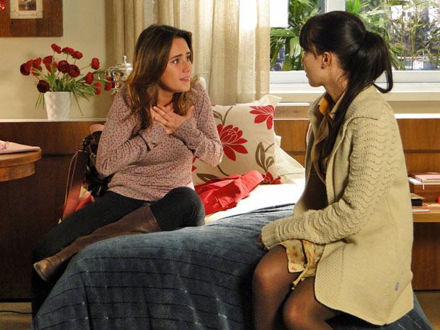 Ana diz para Manu que não estava preparada para reencontrar Rodrigo (Foto: A Vida da Gente/TV Globo)