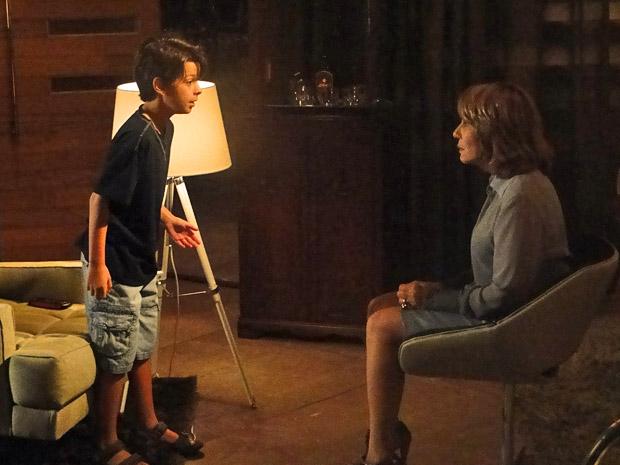 Pedro diz que não acredita em Danielle (Foto: Fina Estampa/TV Globo)